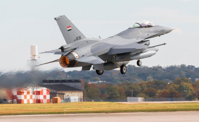 Last F-16 for Iraq in Flight